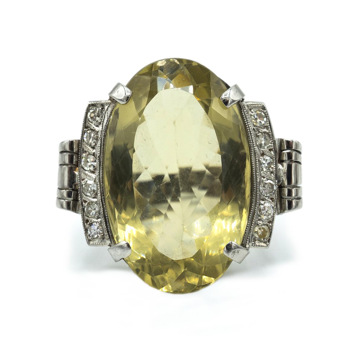Impresionante Sortija Con Diamantes Y Cuarzo Citrino. Años 40.