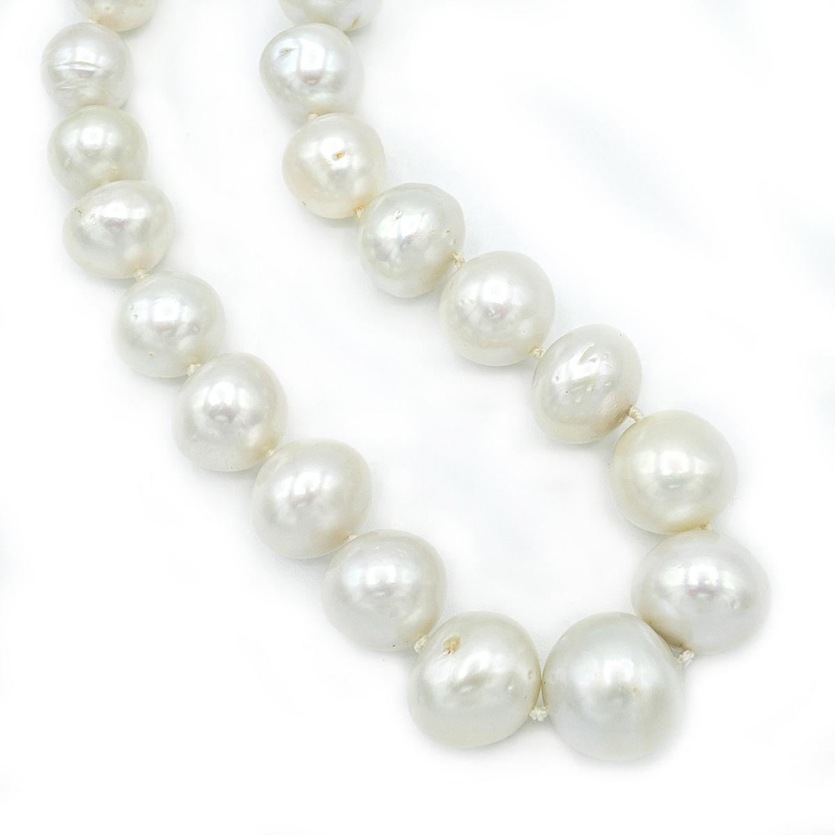 Australian Pearl Necklace.